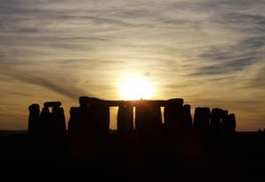 Stonehenge_sunset_350